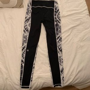 Victoria's Secret Pants - VSX Leggings